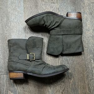 Distressed Ankle Boots Chickadee Dirty Laundry